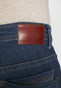 Pepe Jeans - NEW JEANIUS - Jeans Relaxed Fit - denim - 4