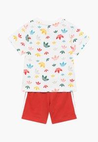 adidas Originals - SET - Pantalones - white/multicolour - 1