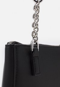 Calvin Klein - XBODY ZIP - Taška spříčným popruhem - black - 4