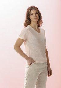 Rosa & Me - LELIA - Basic T-shirt - light blush - 3