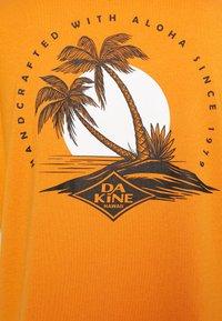 Dakine - EUGENE TEE - Sports shirt - desert sun - 2