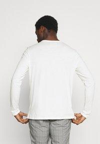 Marc O'Polo DENIM - LONG SLEEVE SMALL LOGO - Long sleeved top - scandinavian white - 2