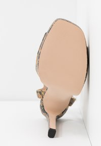 Steve Madden - LUV - High heeled sandals - yellow - 6