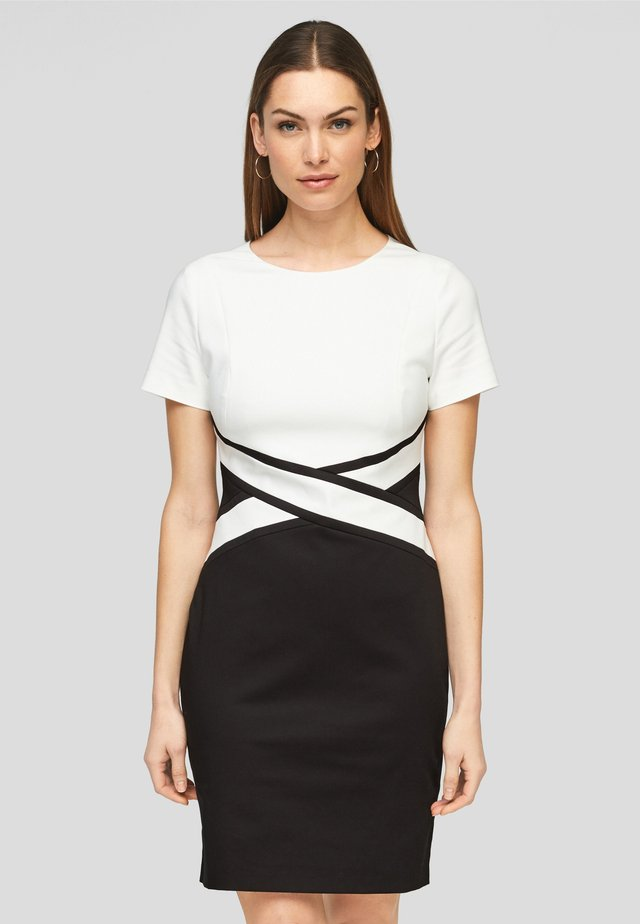 Etui-jurk - black/white