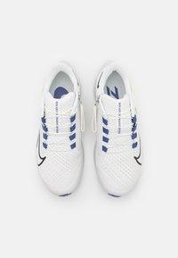 Nike Performance - AIR ZOOM PEGASUS FLYEASE - Neutrala löparskor - summit white/black/dark purple dust/platinum tint - 3
