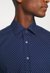 Calvin Klein Tailored - EASY CARE FITTED SHIRT - Shirt - blue - 4