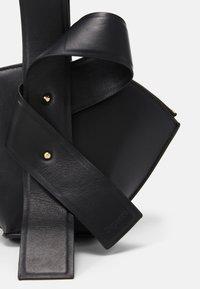 Repetto - CRUSH - Handbag - noir - 3