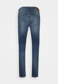 Tommy Jeans - AUSTIN SLIM TAPERED - Slim fit jeans - denim medium - 1