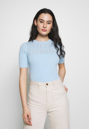 SHORT SLEEVE JUMPER - Print T-shirt - pale blue