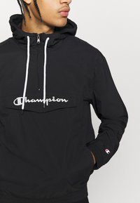 Champion - LEGACY - Vindjacka - black - 4