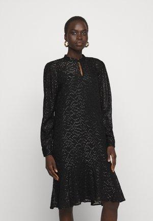 ALEXANDRIA CAMARI DRESS - Blousejurk - black