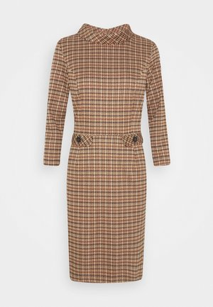 DRESS SHORT - Robe fourreau - soft caramel multicolor