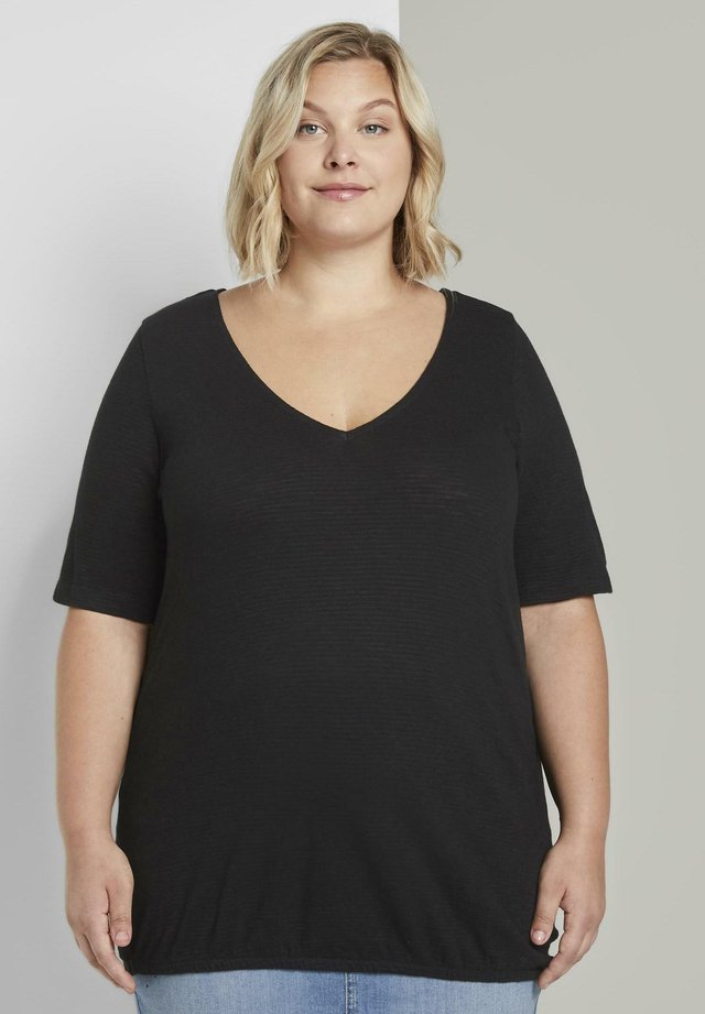 Basic T-shirt - deep black