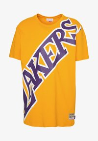 Mitchell & Ness - NBA LA LAKERS BIG FACE LAKERS TEE - Article de supporter - gold - 3