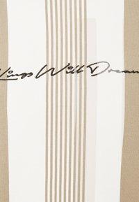 Kings Will Dream - VEDLO CREW - Sweatshirt - dark sand/white - 6