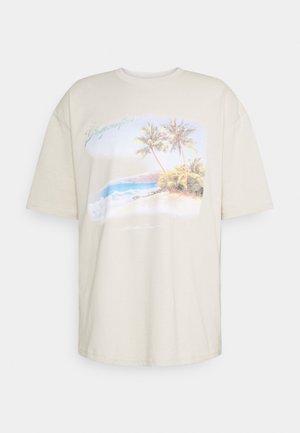 CAYEY OVERSIZED TEE UNISEX - Print T-shirt - whisper white