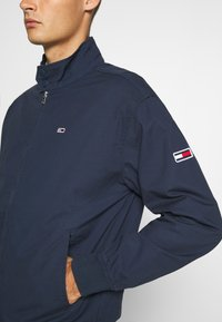 Tommy Jeans - CUFFED JACKET - Summer jacket - twilight navy - 4
