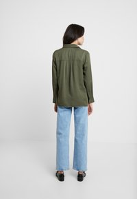 Esprit - UTILITY BLOUSE - Button-down blouse - khaki green - 2