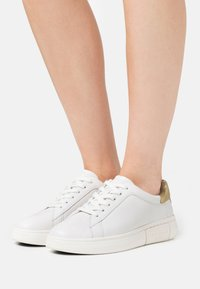 kate spade new york - LIFT - Trainers - optic white/gold - 0