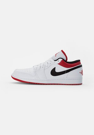 AIR JORDAN LOW - Tenisky - white/gym red-black