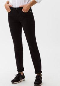 BRAX - STYLE SHAKIRA - Jeans Skinny - clean black - 0