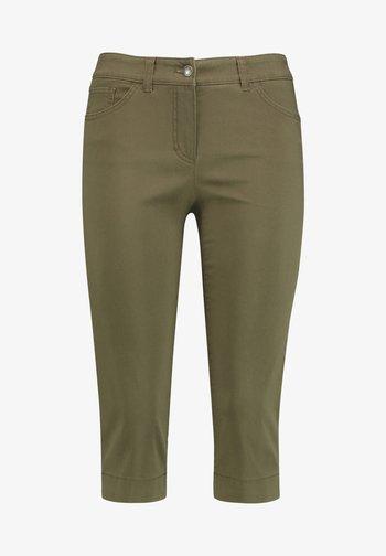 BEST - Denim shorts - olive branch