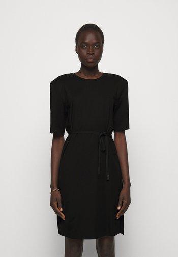 MODENA SLIT DRESS - Žerzejové šaty - black