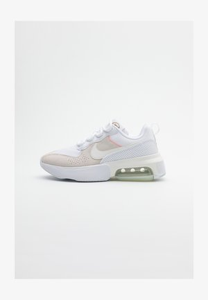 AIR MAX VERONA - Sneaker low - white/sail/atomic pink/stone/metallic gold