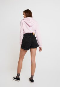 Monki - TALLIE  - Shorts di jeans - washed black - 2