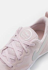 Nike Performance - SPEEDREP - Kuntoilukengät - barely rose/metallic silver/stone mauve/grey fog/white - 5