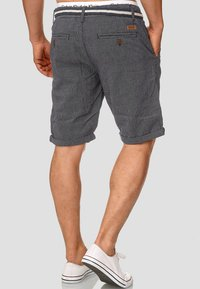 INDICODE JEANS - CASUAL FIT - Shorts - blue denim - 2