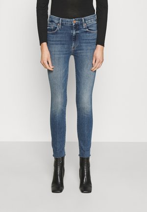 HIGH WAISTED LOOKER ANKLE FRAY - Jeans Skinny Fit - walking on coals