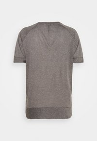 Vaude - WOMENS MINEO - Camiseta básica - iron - 1