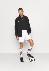 adidas Performance - SQUADRA 21 - Pantalón corto de deporte - white/black - 1