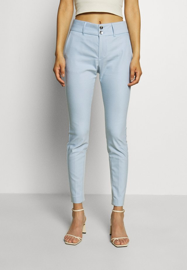 BLAKE NIGHT PANT SUSTAINABLE - Broek - light blue