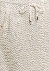 Rich & Royal - SKIRT - Mini skirt - pearl white - 2