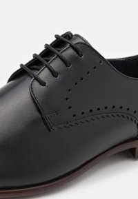 Burton Menswear London - BENSON ROSE - Stringate eleganti - black - 5