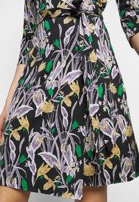 Diane von Furstenberg - NEW JULIAN TWO - Jerseyjurk - bali medium black - 3