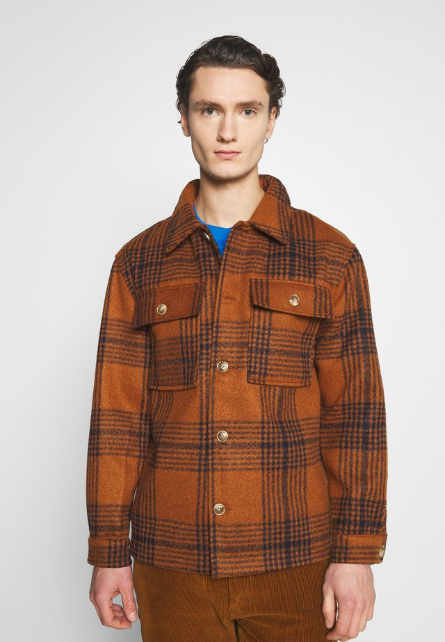 WYATT JACKET - Lett jakke - brown