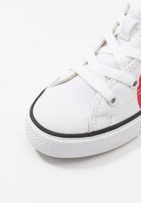 Converse - CHUCK TAYLOR ALL STAR - Vysoké tenisky - white/university red - 2