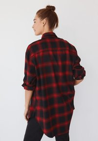 Mango - GRUNGE - Button-down blouse - rød - 2
