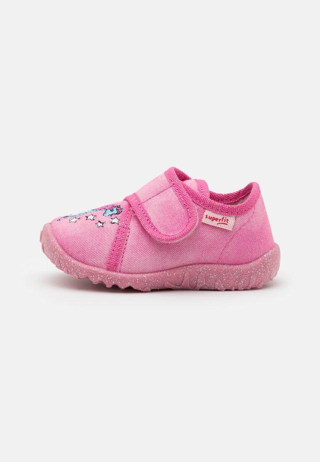 SPOTTY - Domácí obuv - rosa