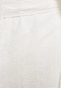 Twist & Tango - NOVA BLOUSE - Print T-shirt - whispy white - 2