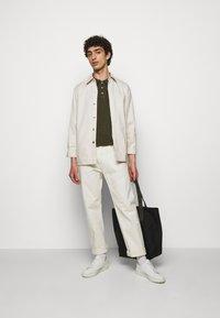 CLOSED - SHORT SLEEVE - Polo shirt - grey fir - 1