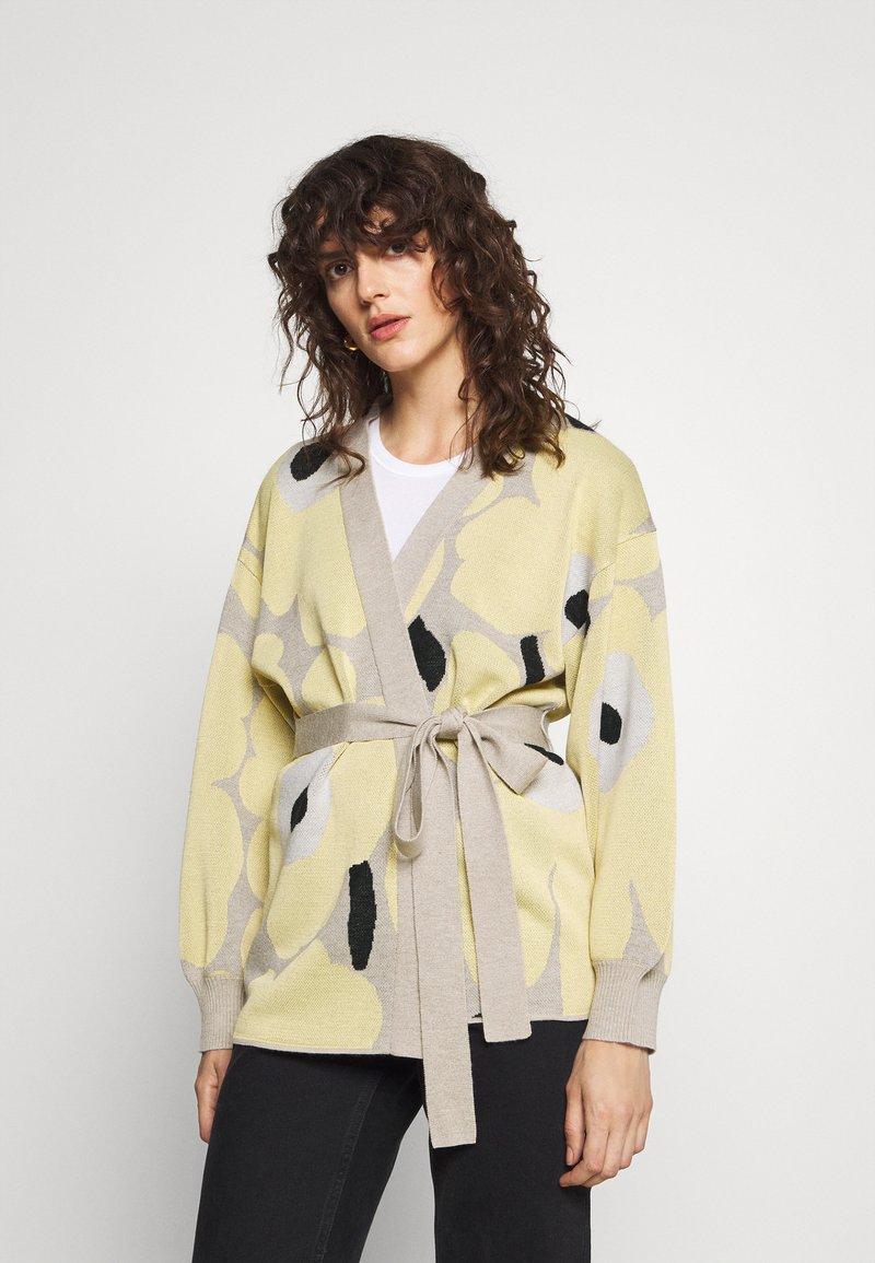 Marimekko - UNEKSUVA UNIKKO CARDIGAN - Cardigan - beige/light yellow/black