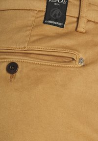 Replay - ZEUMAR HYPERFLEX  - Jeans slim fit - havana - 6
