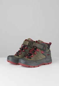 Keen - REDWOOD MID WP - Mountain shoes - steel grey/red dahlia - 2