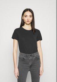 Monki - JOLIN  - Basic T-shirt - black dark running - 0