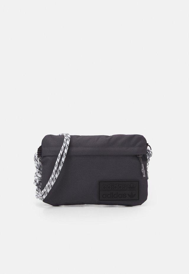 SIMPLE POUC UNISEX - Taška spříčným popruhem - solid grey/white/black