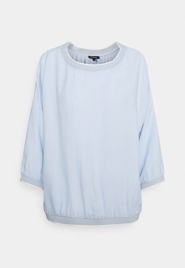 Blouse - soft blue